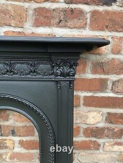 Original Victorian Restored Antique Cast Iron Bedroom Fire Surround / Fireplace