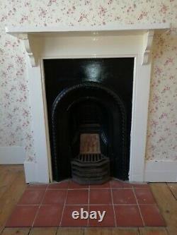 Original victorian cast iron fireplace with surround
