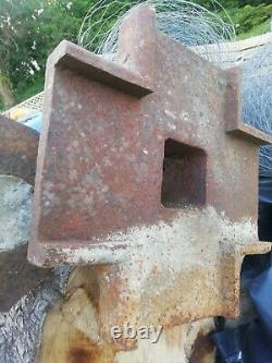 Pair of cast iron pillers column roof support
