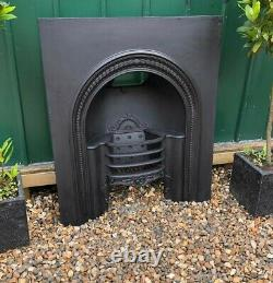 Stunning Early Victorian Antique Cast Iron Hob Grate Insert Fireplace