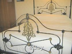Superb Victorian King size Antique Four Poster Bed circa 1870 Design
